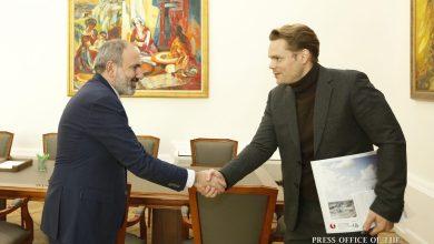 "Photo of Премьер-министр обсудил с Николя Азнавуром процесс создания в Ереване центра ""Азнавур"""
