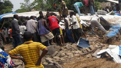 Photo of Пассажирский самолет рухнул на дома в Конго