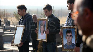 Photo of Նոր Հաճնում հողին հանձնեցին գազի թունավորումից մահացած ընտանիքին. news.am