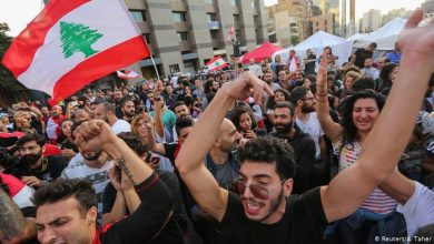 Photo of В Ливане прошли массовые акции в поддержку и против властей