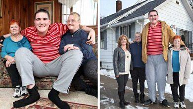 Photo of 19-летний парень из Америки уже 2,33 м высотой и он все еще растет