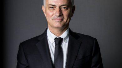 Photo of Մոուրինյուն լուսանկարվել է Տոտենհեմի մարզաշապիկով