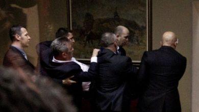 Photo of В Черногории из-за закона о религии подрались депутаты. 22 из них были задержаны
