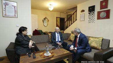Photo of Վարչապետը տիկնոջ հետ ծննդյան 91-ամյակի առիթով այցելել է Հովհաննես Չեքիջյանին