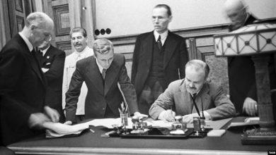 Photo of Польша обвинила Россию в искажении истории Второй мировой