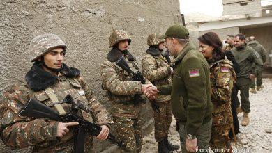 Photo of Никол Пашинян с супругой и Католикосом Всех армян посетил боевой пост