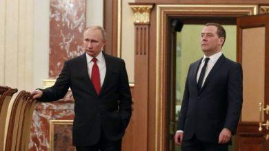 Photo of «Информационная бомба». Как российское телевидение показывало отставку правительства
