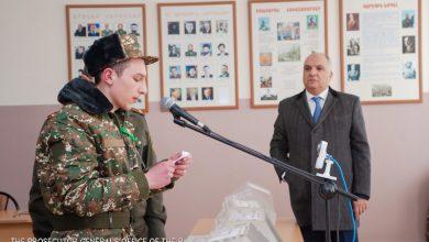 Photo of Կենտրոնական հավաքակայանում զինվորական դատախազը հանդիպել է զորակոչիկների և նրանց ուղեկցող հարազատների հետ