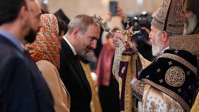 Photo of ՀՀ Վարչապետը տիկնոջ հետ ներկա է գտնվել Սուրբ Ծննդյան եւ Աստվածահայտնության տոնի պատարագին