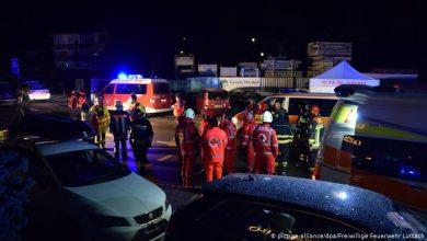 Photo of Իտալիայում մեքենան մխրճվել է զբոսաշրջիկների խմբի մեջ. առնվազն 6 մարդ զոհվել է, 11-ը՝ վիրավորվել