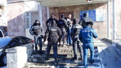 Photo of Ոստիկանական հատուկ օպերացիա՝ Վանաձորում. բերման են ենթարկվել «Բազազ Արտեմը», «Գնդլիկ Բոքոնիկը», «Վինի Թուխը», «Պոչատ աղվեսը», «Կացին ախպերը», «Պույ-պույ մկնիկը» և այլ մականունավորներ