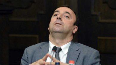 Photo of «Հրայր Թովմասյանը հիմա մի խաչմերուկում է կանգնած, որտեղից չի կարողանում ընտրություն կատարել՝ ճիշտ ճանապարհը գտնելու համար». Հ. Խառատյան