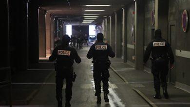 Photo of Փարիզի արվարձանում դանակով զինված անձը սպանել է 1 մարդու, վիրավորել՝ 3-ին
