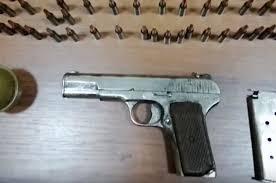 Photo of Ինքնաձիգ, ատրճանակ, հրացաններ․ ոստիկանության բաժիններում ապօրինի զենքեր են հանձնվել