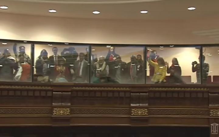 Տեսանյութ. Ով չի քայլել, կարա միանա. Դելիից Ժնեւ քայլարշավ իրականացնող խումբն Ազգային ժողովում է