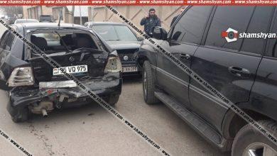 Photo of Խոշոր ավտովթար Արարատի մարզում. բախվել են Lexus-ը, Volkswagen-ը, Opel-ն ու 07-ը. վիրավորների մեջ է ՀՀ նախկին վարչապետ Հովիկ Աբրահամյանի եղբայրը