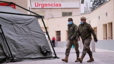 Photo of Коронавирус в мире: Испания бьет печальные рекорды, принц Чарльз вернулся из изоляции. BBC