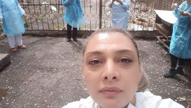 Photo of «Նորք» ինֆեկցիոն հիվանդանոցի բուժանձնակազմն ընդմիջման ժամանակ՝ հեռավորությունը պահելով