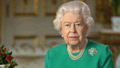 Photo of «Ես ձեզ հետ խոսում եմ ծայրահեղ ծանր պահին». Թագուհին ուղերձ է հղել Վինձորի նստավայրից՝ պաշտպանական հագուստով եւ մեկ օպերատորի ներկայությամբ