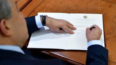 Photo of Արմեն Սարգսյանը նոր օրենքներ է ստորագրել