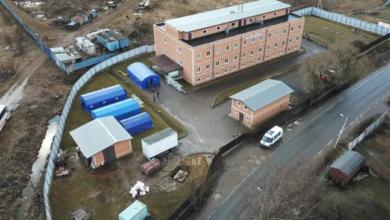 Photo of В нелегальном хостеле под Петербургом коронавирусом заразились больше 100 человек. meduza