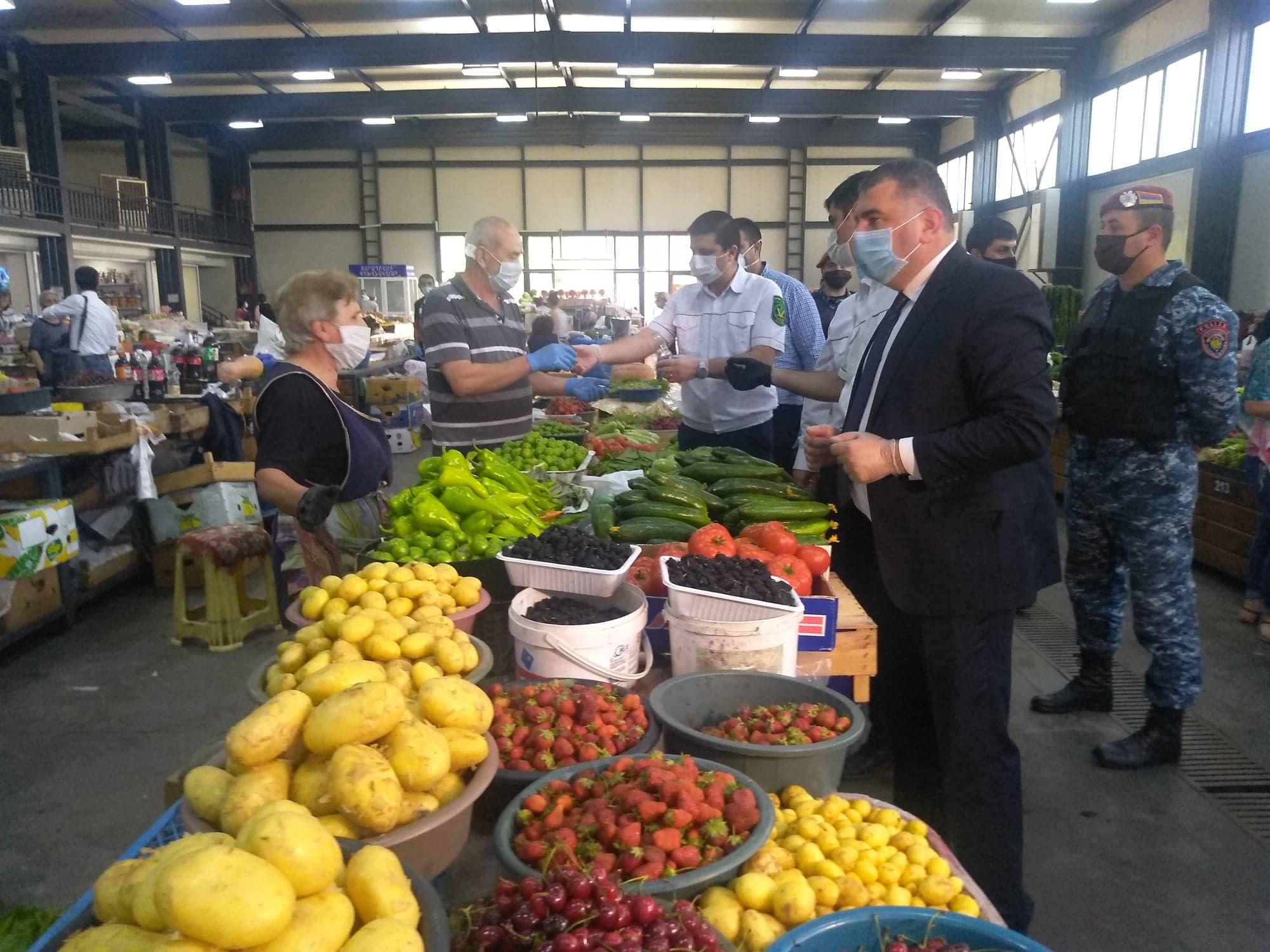 Photo of ՍԱՏՄ-ն շրջայց է կատարել հանրապետության գյուղատնտեսական շուկաներում