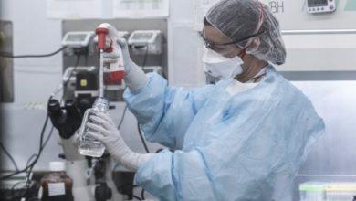 Photo of Ученые в России испытали вакцину от Covid на себе. Фармкомпании сочли это нарушением
