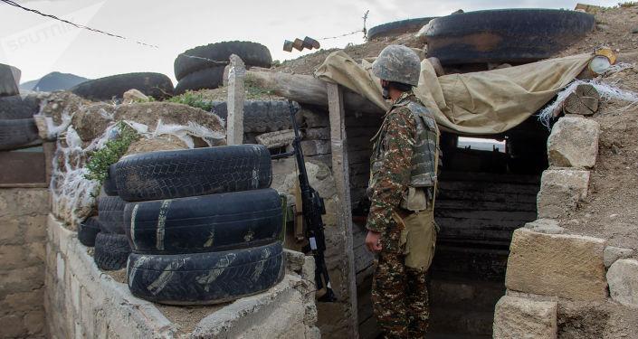 Ադրբեջանի ռազմական ղեկավարությունը փորձում է ինչ-որ կերպ ոգևորել բարոյալքված և մարտունակությունը կորցրած իրենց զինծառայողներին