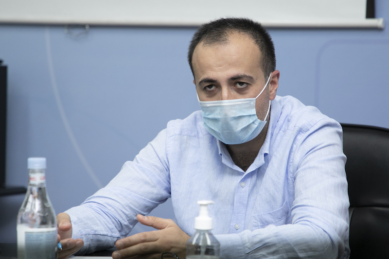 Photo of Արսեն Թորոսյանը քննարկում է անցկացրել վերակենդանացման բաժանմունքների ղեկավարների հետ