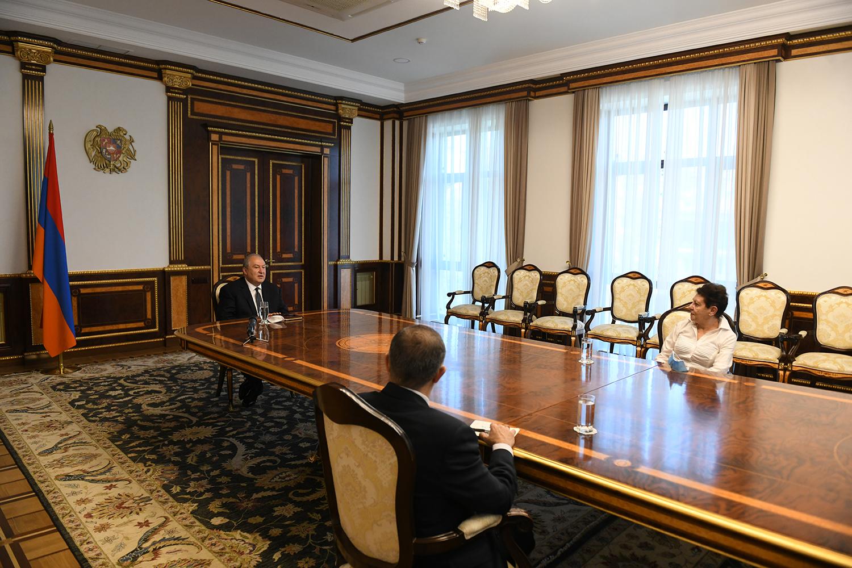 Photo of Նախագահ Սարգսյանը կրթության փորձագետ Անահիտ Բախշյանի հետ խոսել է Լանզարոտի կոնվենցիայի վերաբերյալ իր մտահոգությունների մասին