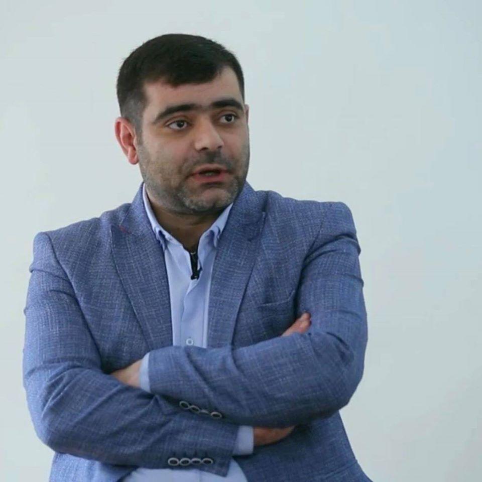 Photo of Քանի դեռ քո ուժայինների մի ստվար խումբ ամենօրյա ռեժիմով զեկուցում են ոչ Հայաստանին, ապա ինքնիշխանության նույնիսկ միջանկյալ աստիճանի մասին պետք է մոռանալ. Վ. Թոքմաջյան