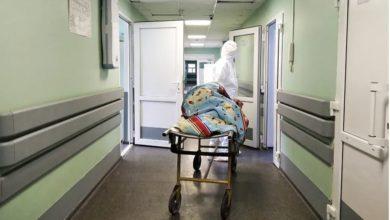 Photo of «Пациентов привозят целыми семьями»: Фоторепортаж из «красной зоны» коронавирусного госпиталя в Твери. meduza