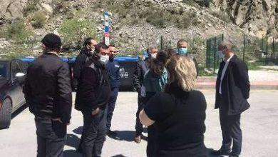 Photo of Оставшиеся в Верхнем Ларсе 35 граждан РА требуют возвращаться в Армению только на личных автомобилях. МИД РА