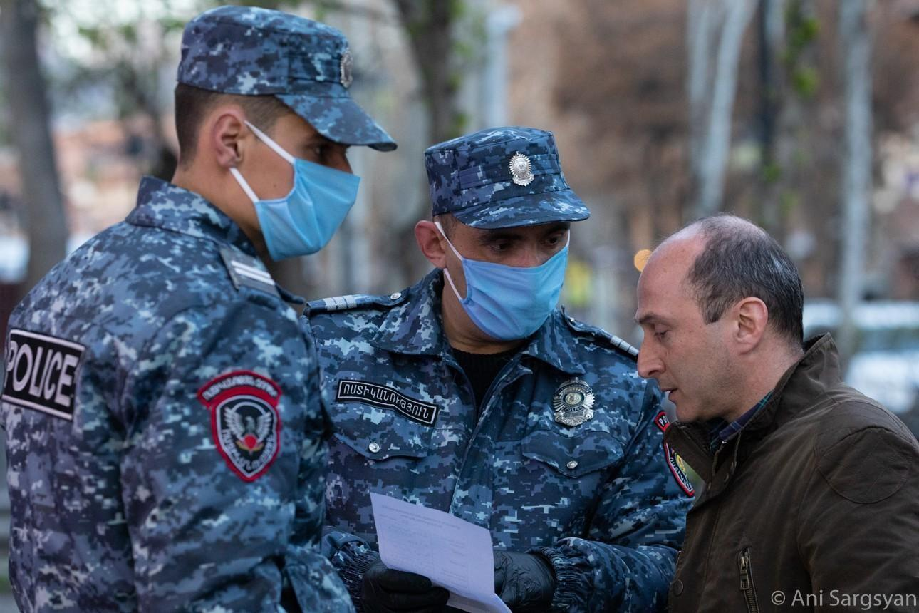 Photo of Դիմակներ, ձեռնոցներ և սոցիալական հեռավորություն. ոստիկանությունը փողոցներում հսկողություն է իրականացնում