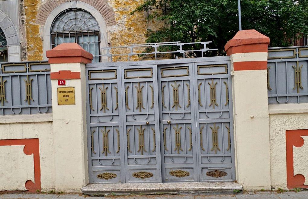 Photo of Ստամբուլի հայկական եկեղեցու խաչը պոկած անձը ձերբակալվել է