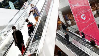 Photo of В Бельгии люди выстроились в очереди в первые часы работы магазинов