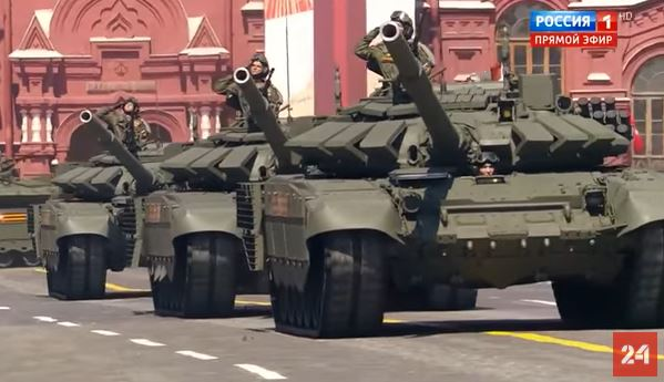 Photo of Մոսկվայում Հաղթանակի շքերթի նկարահանումների ժամանակ տեսախցիկը փողի միջով թռել է տանկի սրահ