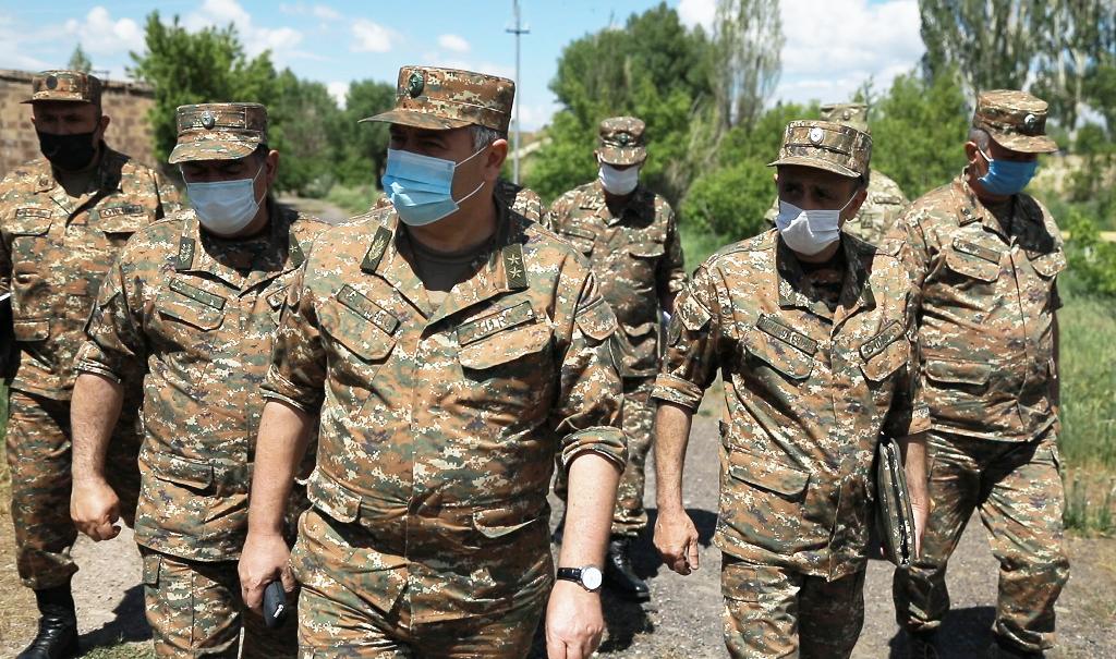 Photo of ՀՀ ԶՈւ ԳՇ պետը եղել է ԶՈւ զորամասերից մեկում