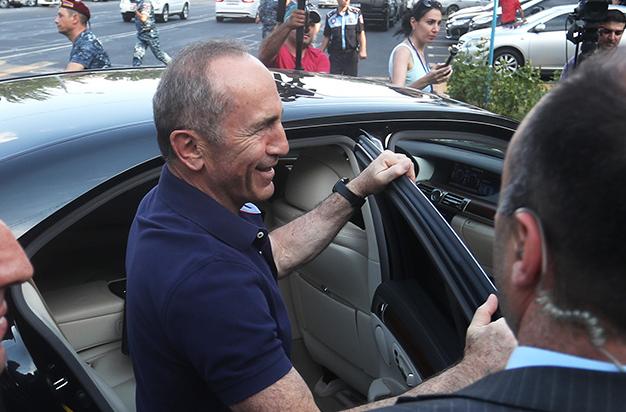 Photo of Ովքեր են աջակցել Ռոբերտ Քոչարյանին՝ գրավի գումարը վճարելու հարցում. 168.am