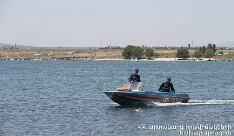 Photo of Նավակով Սևանա լճում կորած 49-ամյա քաղաքացու որոնողական աշխատանքները կրկին ավարտվել են անարդյունք. ԱԻՆ