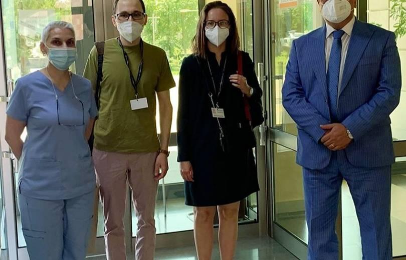 Photo of Մոսկվայից ժամանած բժիշկներ Անաստասիա Վոլկովան և Դավիթ Սախնովսկիյը կաշխատեն Արտաշատի ԲԿ-ում