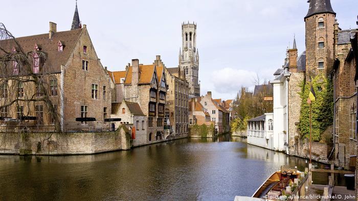 Photo of В Бельгии неизвестный совершил нападение с ножом на бургомистра Брюгге