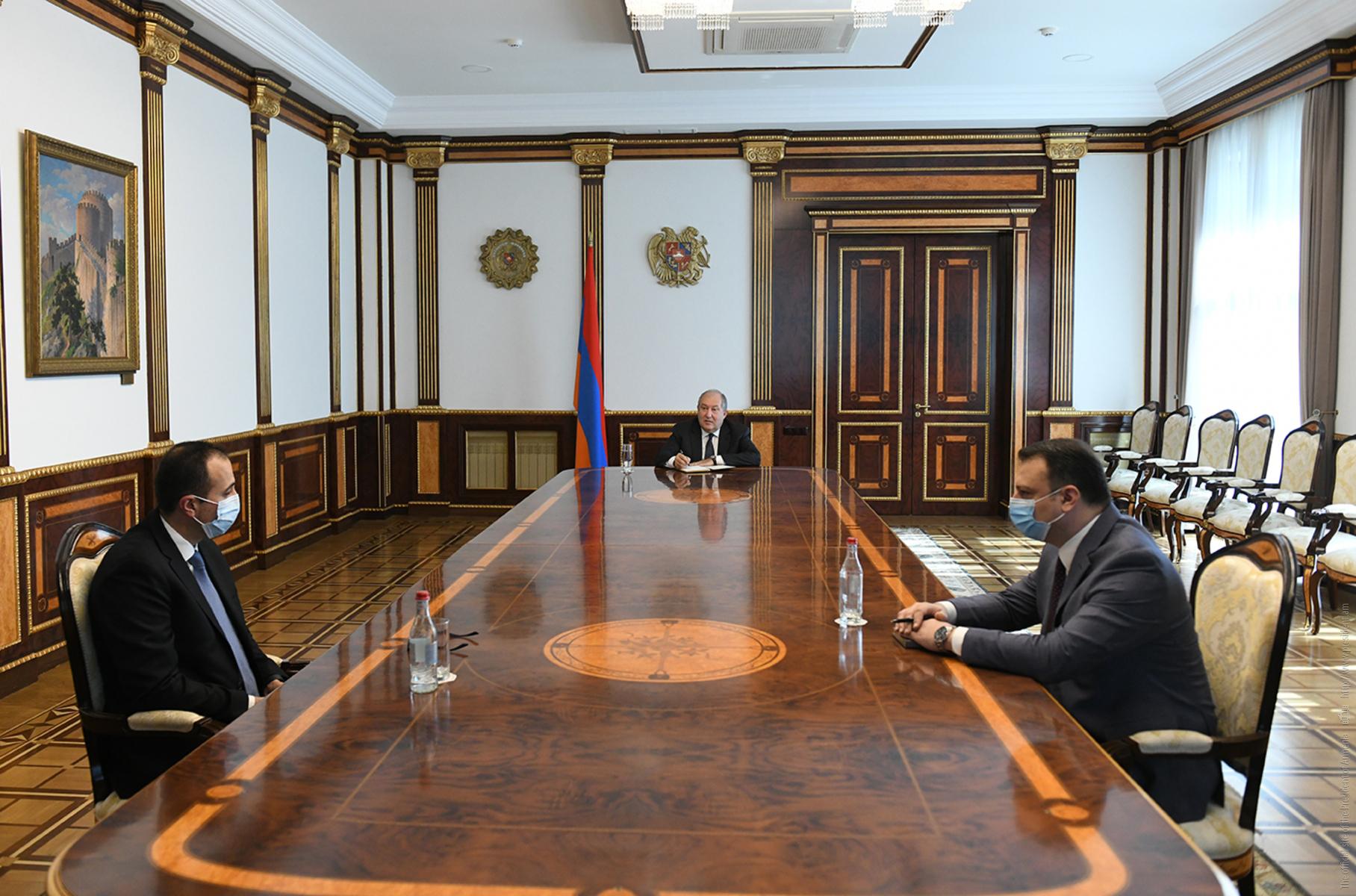 Photo of Նախագահ Սարգսյանը հանդիպում է ունեցել առողջապահության նախարարի հետ