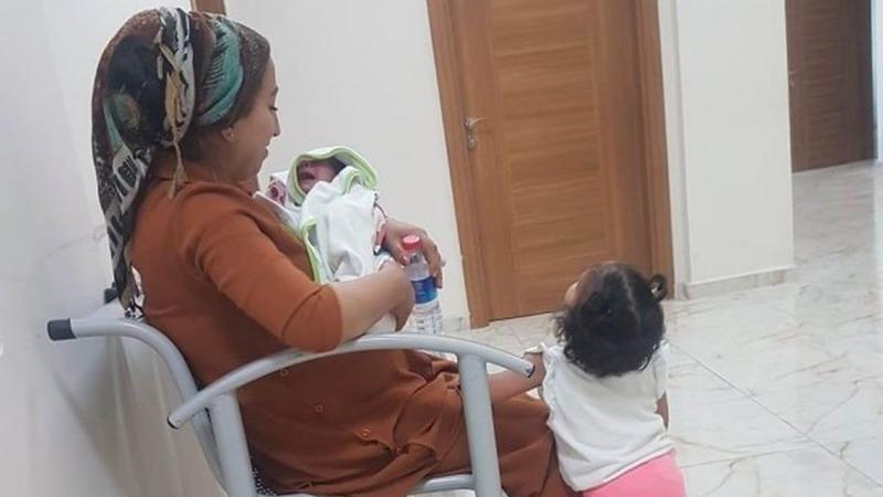 Photo of В Турции за решёткой вместе со своей матерью оказался 10-дневный ребёнок