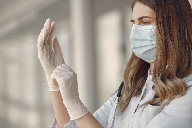 Photo of Советы от эксперта: как правильно выбрать одноразовые перчатки
