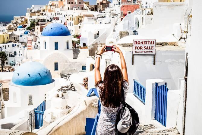 Photo of В Греции резко выросло количество туристов с COVID-19