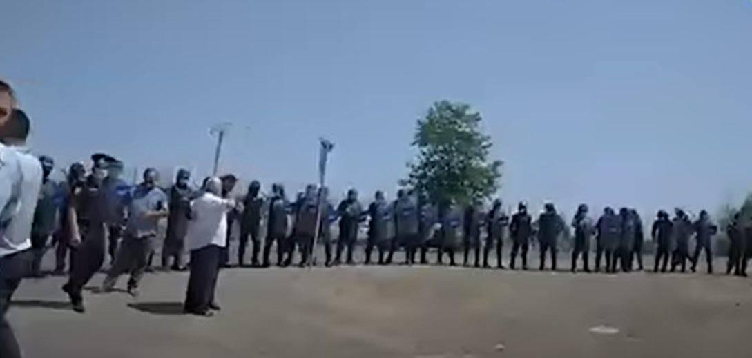 Photo of В Азербайджане снова акции протеста, правительство вывело большое число силовиков
