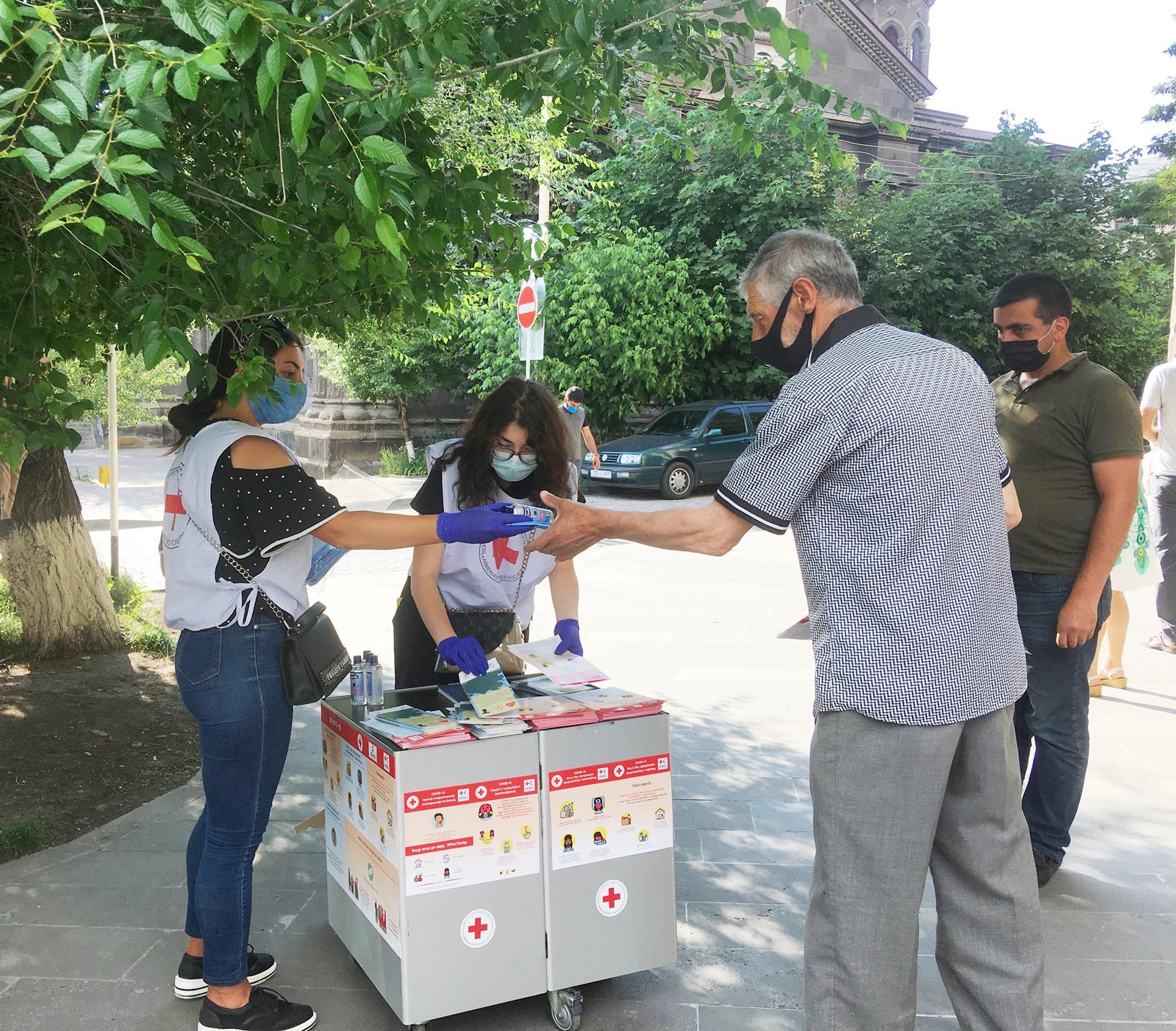 Photo of Հանրային իրազեկման արշավներ. Գյումրիում գործում են տեղեկատվական տաղավարներ