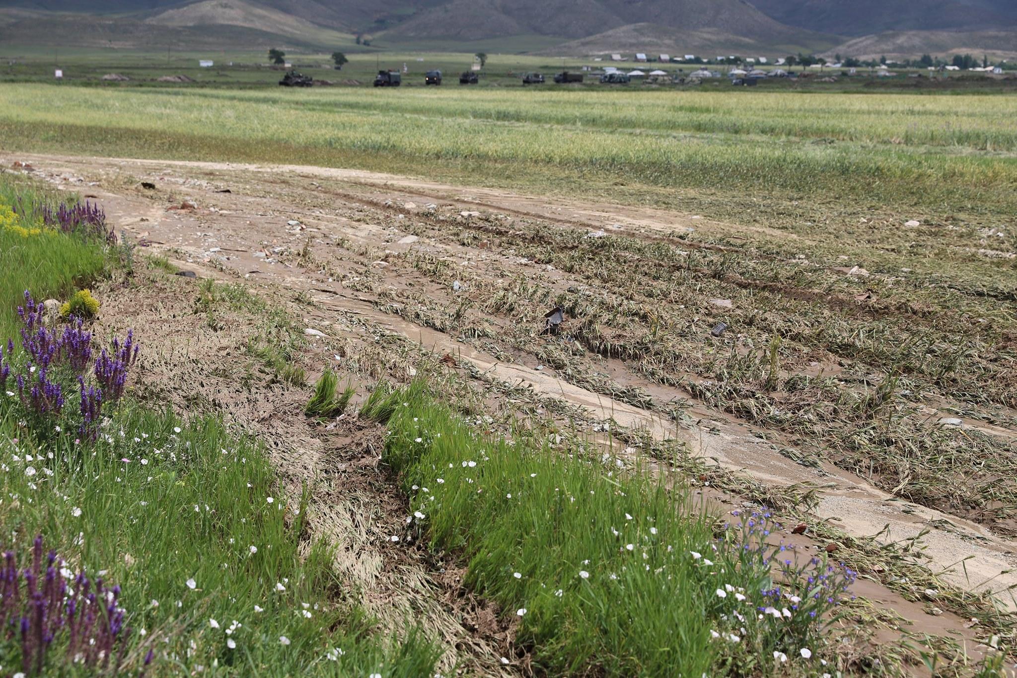 Photo of Կարկուտը և հորդառատ արձրևը վնասներ են հասցրել Հացիկ, Շիրակ, Մարմաշեն, Վահրամաբերդ, Կապս բնակավայրերին