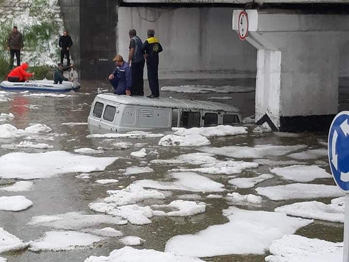 Photo of Հորդառատ անձրևի պատճառով Գյումրիում երթևեկությունը կաթվածահար է եղել